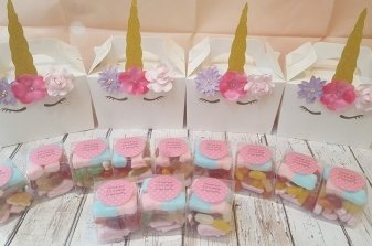 unicorn-party-box-and-sweets